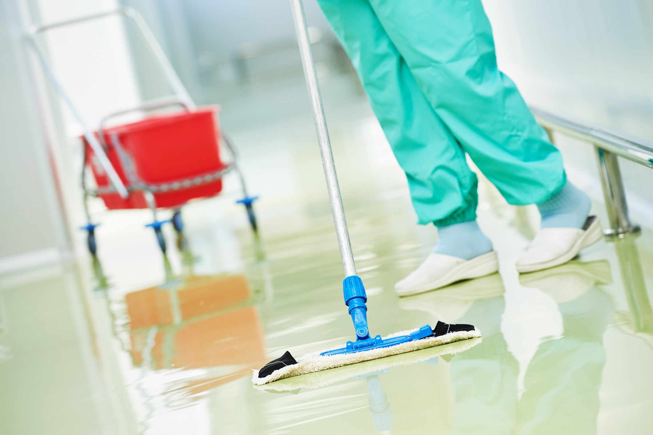 HAIs Fight: Countering Floor Cleaning Odors in Hospitals